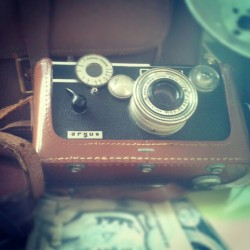 Wow! Could you get more vintage than this!.awesome film camera with the most amazing camera bag… Adding to the collection of old film cameras. Thank you mum!