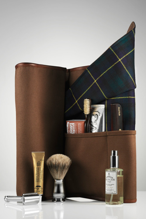 Dewar's x Freemans Sporting Club Travel Roll