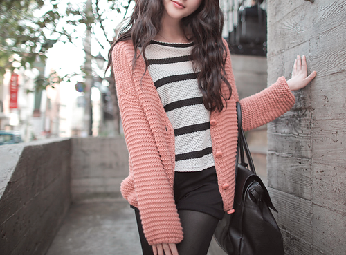 mintpost:  Oversize cardigan this winter! ^_^