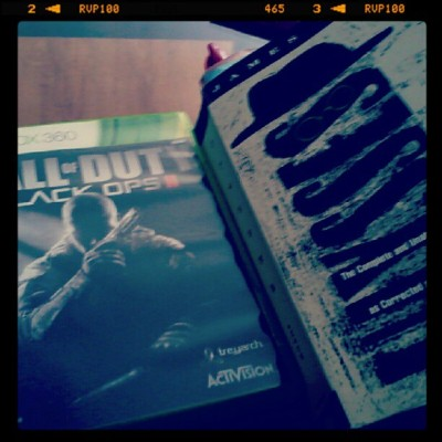 Work on my English paper or #blackops2 ? #callofduty #360 #xbox360 #fps #gaming #ulysses #jamesjoyce #lit #literature