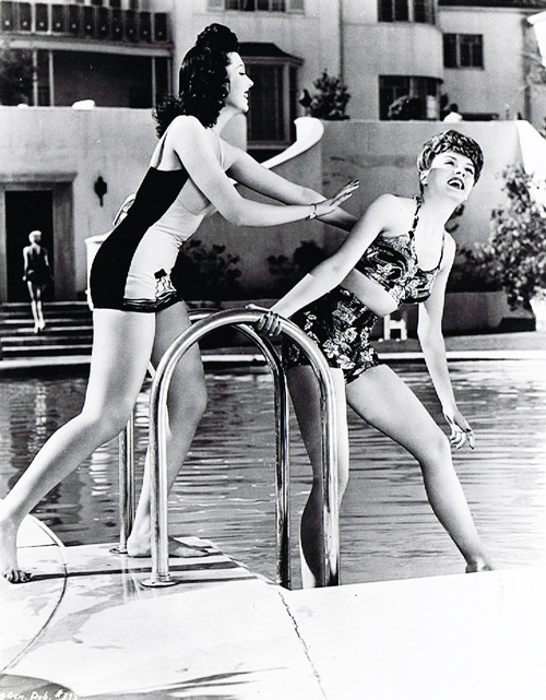 Ann Miller and Leslie Brooks, 1943