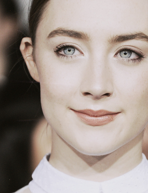Saoirse Ronan at the Breaking Dawn Part 2 premiere in LA
