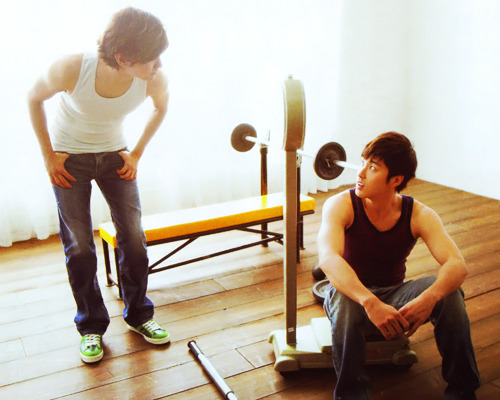 24/50 favorite HoMin pictures