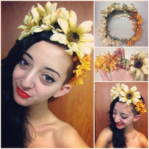 floral crowns for sale!!! This one is for @sierrablaze and I'll be putting them up on my Etsy tonight. Different colors are available, tell me what you want and I'll make it happen! $12, handmade with baby bells at the back optional #handmade #floralcrown #floral #trendy #etsy #love