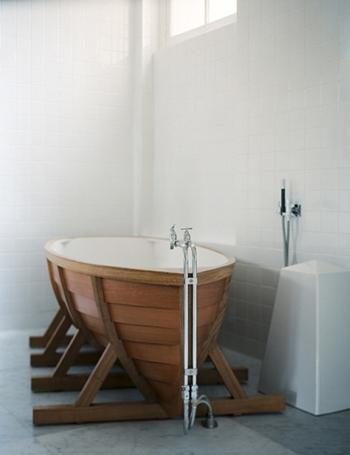 dailycoolmag:  Boat bath by Wieki Somers.