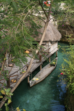 visitheworld:  Xcaret mayan village in Yucatan Peninsula, Mexico (by BRJ INC).