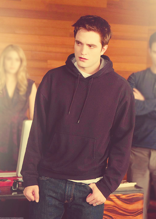 new Breaking Dawn part 2 still (x)