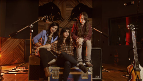 Carla Morrison, Nina Diaz (Girl in a Coma) and Teri Gender Bender recorded two tracks through Red Bull Studios, check them out here!