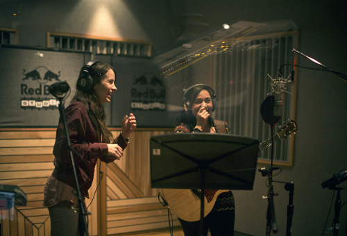 Teri y Carla Morrison recording at the Red Bull Studio LA