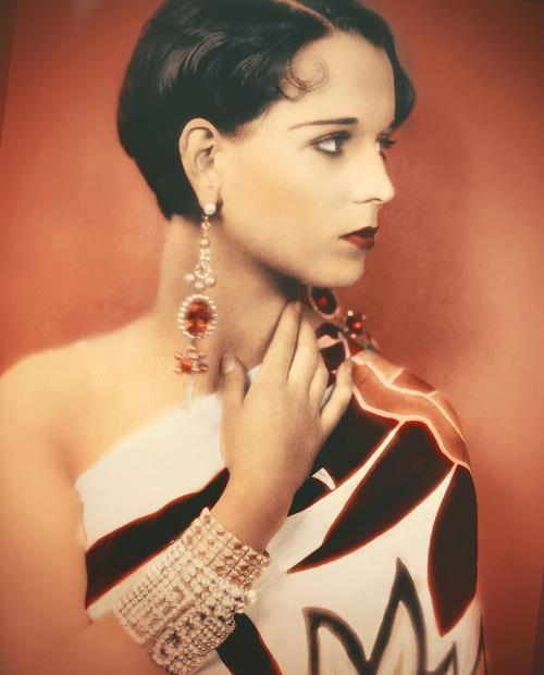 Louise Brooks in glorious Technicolor