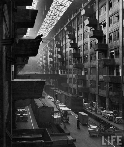 retronewyork:  Brooklyn Army Base, Andreas Feininger, 1949 by Endless Forms Most Beautiful on Flickr.