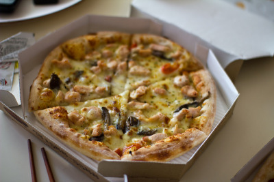 Cream Chicken Pizza by stuckinseoul on Flickr.