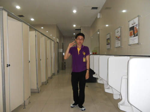 still at toilet break with mood;(