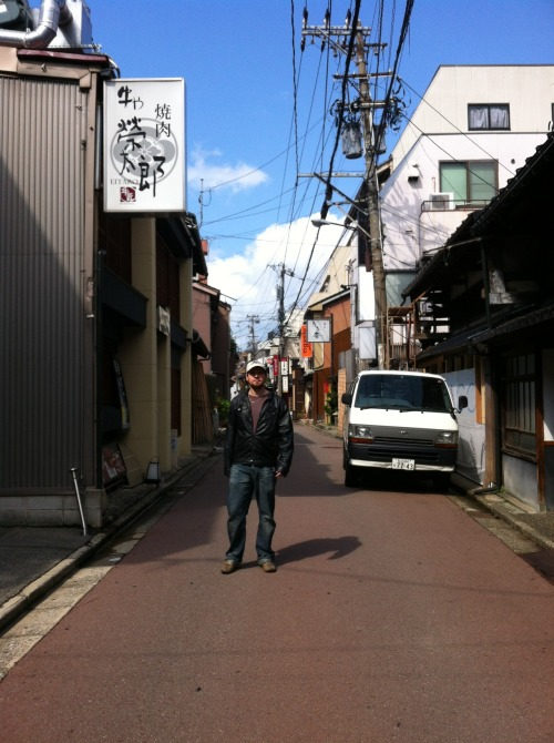 Andy in Katamachi. 片町、金沢市。