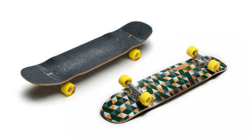 Street Skaters will definitely love this one. Compact and tricky. Enough space to pop a good ollie and cool concaves to lock your feet in. At least it looks like so :3