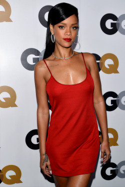 hellyeahrihannafenty:  Rihanna At the 'GQ Men of the year' Event.