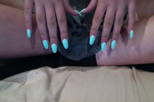 my nails done for formal (: minttt greeeen