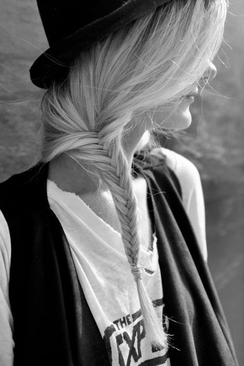Very nice braided hairstyle, I like it.