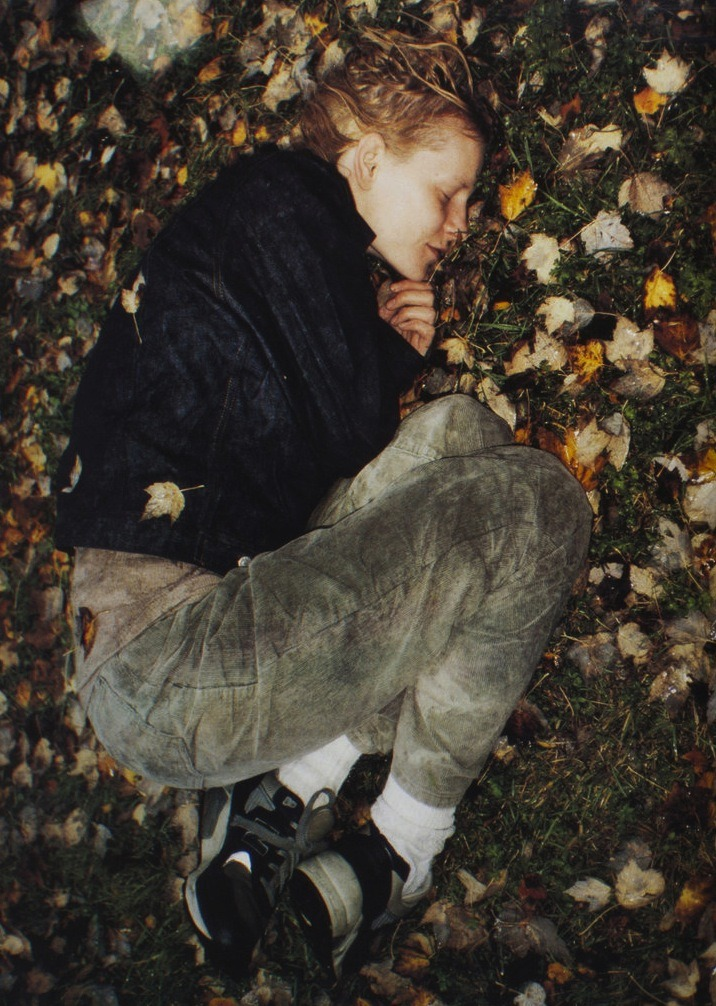 mariacarlabosscono:  Kirsten Owen by Jurgen Teller for Joe's #2 November 1998