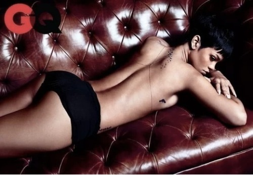 Hey, guess what? Rihanna is topless again! This time Rihanna is topless in GQ magazine are there are many photos! Click the pic to seem them all!