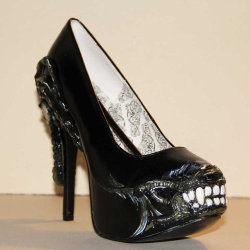 alien shoes *.* want