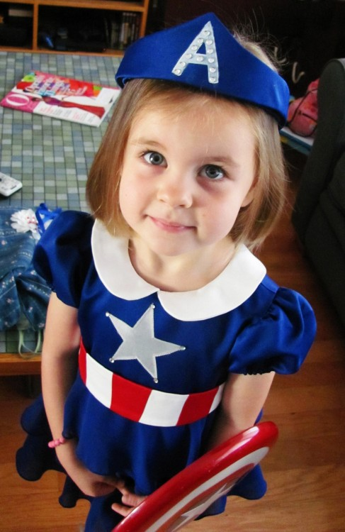 "Cosplay of the day: Princess Captain America ""I made my three-year-old niece her first convention/Halloween costume this year. If you ask her who she is dressed as, she'll reply, 'Tiny Princess Captain America!' On Halloween, we discovered that if you point to a kid in Captain American costume and ask her who he's dressed as, she will also reply, 'Tiny Princess Captain America!'"" Made by Brightcopperpenny"