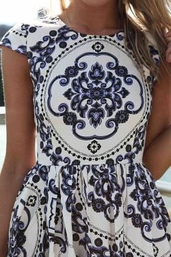 blissful-ness:  i need this dress