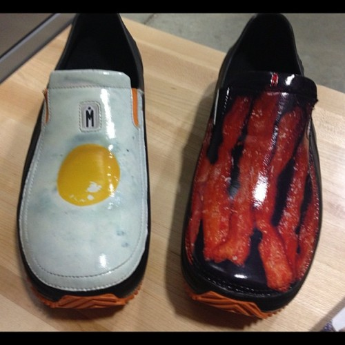 It's official, chefs have access to the coolest shoes. @heavymetalteddy @schapnomore  (at Restaurant Depot)