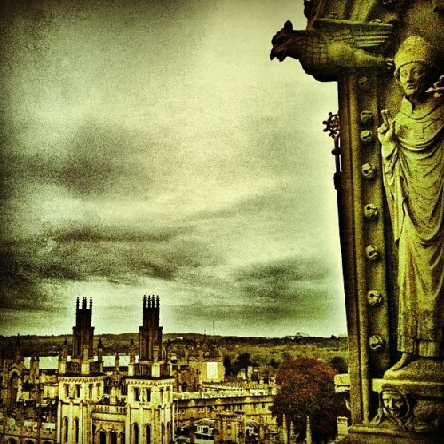 #allsoulscollege  from #ChristChurch #oxford #oxforduniversity #hefe #england #greatbritain #gb #travel #igersbritain #instasky #skyporn #cloudporn #gargoyles #statue #awesome #gothic #architecture #instagood #instamood #iphonesia #iphoneography #photooftheday #picoftheday #all_shots  (at Christ Church, Oxford)