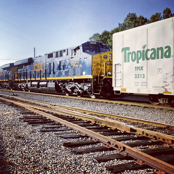 Two 4,400 HP #GE Evolution Series Tier 3 #Locomotives, geared up to haul 550,000 gallons of #Tropicana orange juice up the Eastern seaboard. #juicetrain #technology #trains #rail #CSX