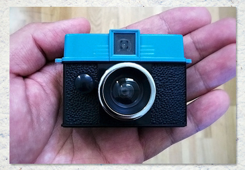 ITEM OF THE DAY: ITEM OF THE DAY: LOMOGRAPHY DIANA BABY 110by Duane Fernandez http://bit.ly/UpFfYn