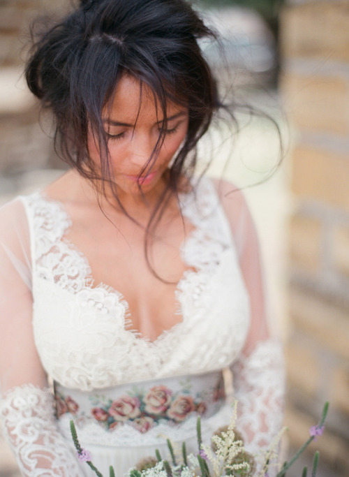 Amazing Native American prairie inspired shoot featuring the Claire Pettibone 'Abbey' wedding gown> in Nouveau Magazine Photo: Chelsea Mitchell Photography
