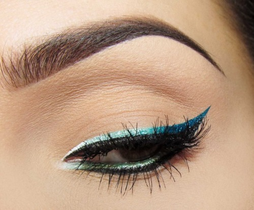Love this ombre cat eye liner on Joanna F.!