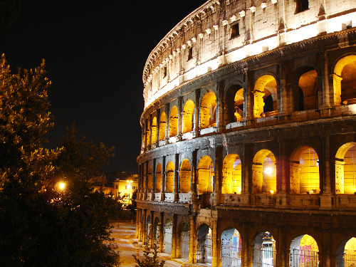 cartoon-heart:  The Colosseum, Rome (photo + edit by me)
