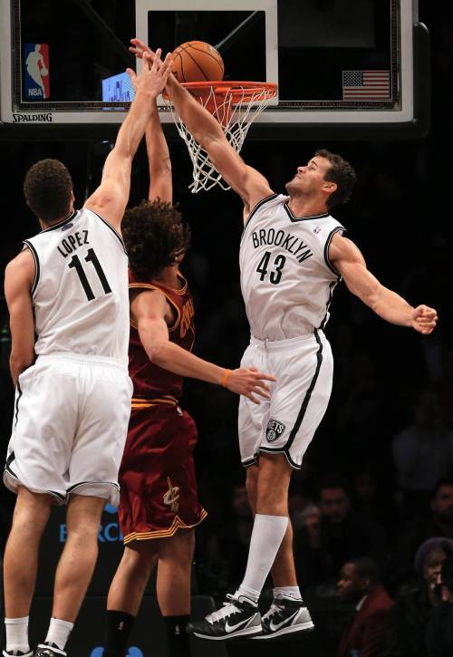 thebrooklynnets:  11.13.12 vs. cavs   triple high five