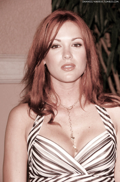 ❧ 75/100 of Danneel Harris-Ackles