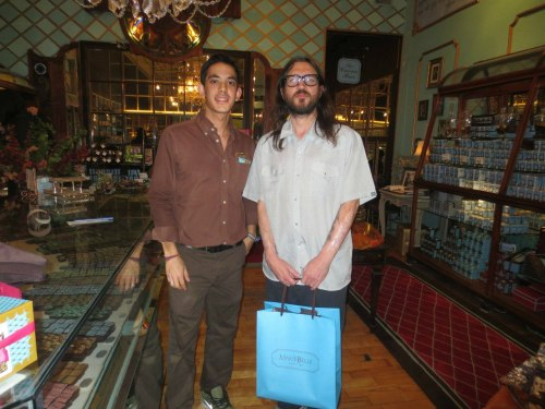 New photo of John Frusciante at the MarieBelle Chocolatiers in Los Angeles recently!