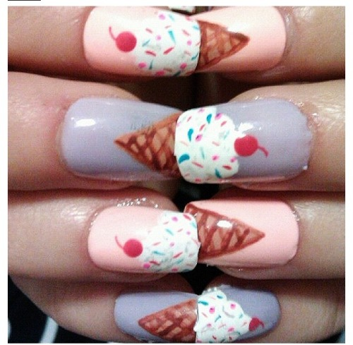 nancy143:  ice cream lovers :) follow for more :)