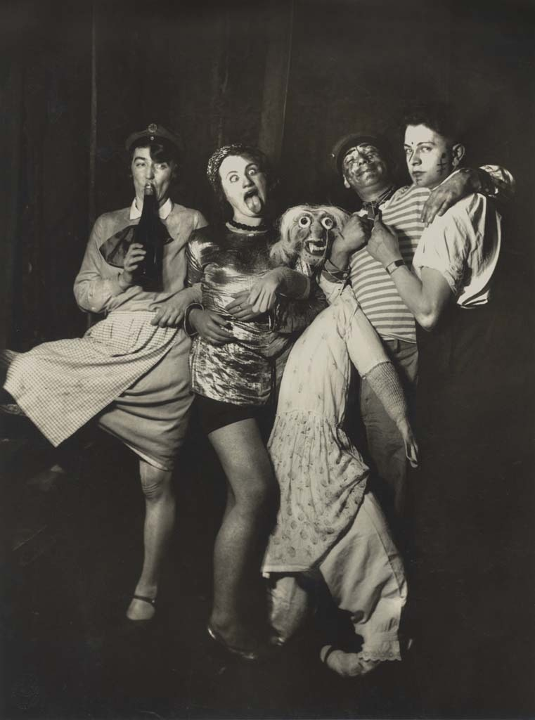 lapetitecole:  by August Sander Karneval, Cologne, c.1920s