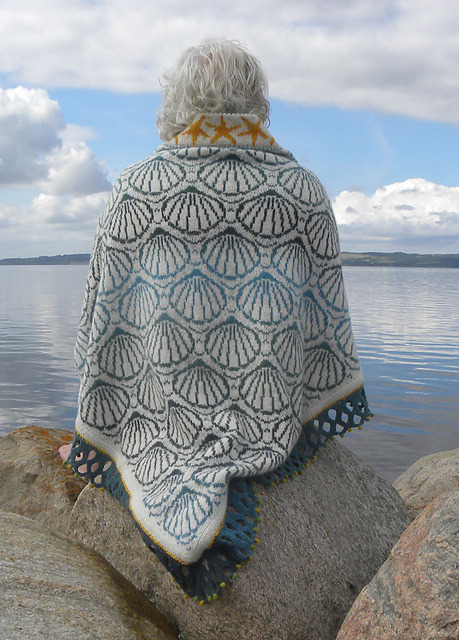 pamelatutu:  Pattern: Shell shawl by Ruth Sorensen