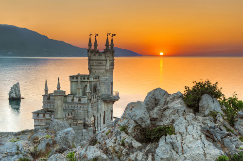 travelingcolors:  Swallow's Nest, Yalta | Ukraine (by Tim Zizifus)