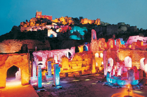 Golconda Fort, India [via]