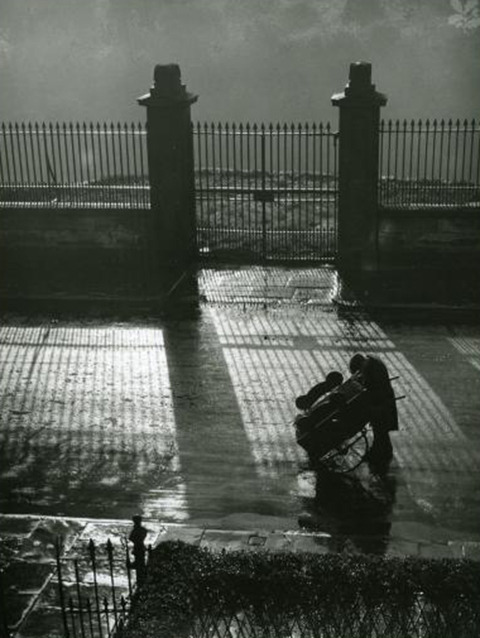 Edward Chambre Hardman Barrow Boy Stops for a Light