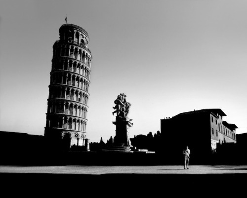 High Contrast photos of famous landmarks Instead of taking your typical touristy photos at the world's most recognizable landmarks, photographer Gabriele Croppi transforms the biggest cities into cinematic scenes. Somehow, the photographer keeps these cities, that are arguably the most photographed locations in the world, fresh and interesting. His monochromatic shots exude a dramatic brilliance heightened by their high levels of contrast. Looking through Croppi's portfolio is like looking at a series of frames from an exquisite noir film that draws you in deeper. The collection of images in the ongoing series titled Metaphysics of the Urban Landscape takes its audience on a journey across the world. From Rome to Paris to London to New York, it's an endless array of architectural beauty under a new light. Ironically, it is mostly in the shadows, saturated with blackness, that the landscapes are sharply defined and loaded with compelling drama. There's something so mystifying and simultaneously alluring about a urban setting whose landscape is masked in darkness with only a few theatrical streaks of light.              Gabriele Croppi website