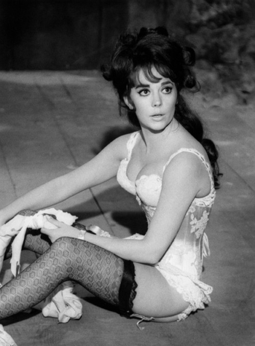 Natalie Wood during rehearsals for The Great Race.