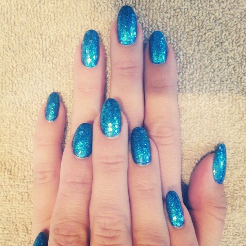 evachen212:  If mermaids existed, they'd have nails like @tenoverten_nyc nail tech @julieknailsnyc!