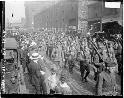 Soldiers, 33rd Division, U.S. Army, on parade, upon returning from France, 1919, Chicago, Illinois. Photograph by Chicago Daily News.  Want a copy of this photo?  > Visit our Rights and Reproductions Department and give them this number: DN-0070991 Connect with the Museum