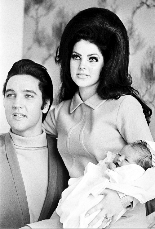 terrysmalloy:  Elvis and Priscilla Presley with daughter Lisa Marie, 1968.