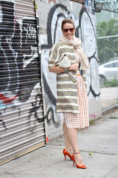 It's all about Nina and her cute patterns and orange patent heels on North 7th Street…Williamsburg, Brooklyn (via Stylespotting)