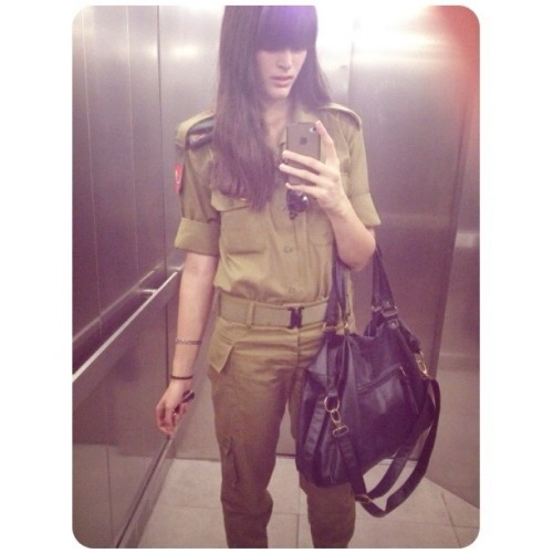 thedorseyshawexperience:  IDF babes are taking selfies during wartime.  I, too, thought this member of the IDF was shockingly gorgeous.